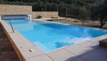 Preljevni bazen 14×4,0x1,5m, bijeli lokacija Punat